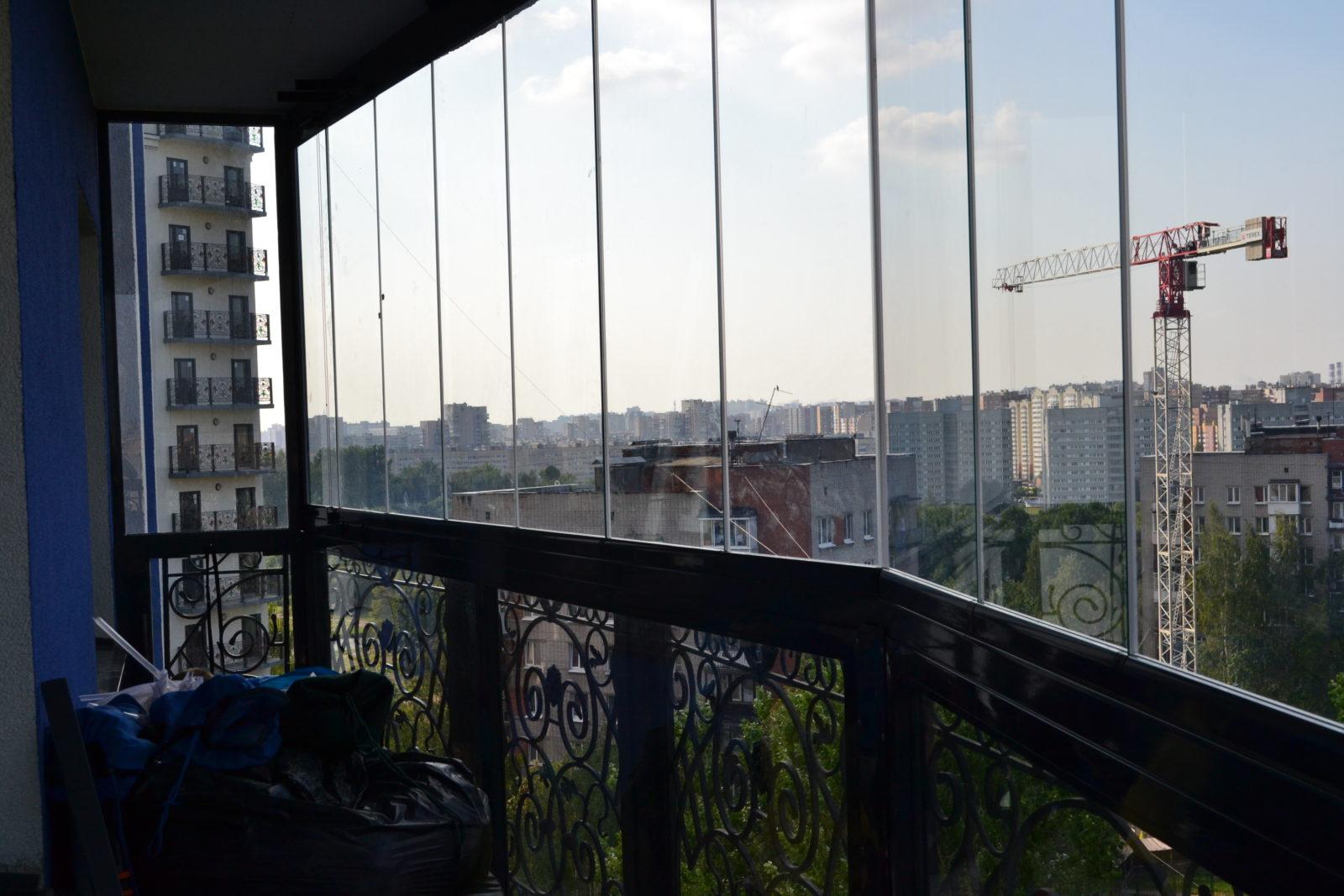 раздвижная безрамная система для балкона