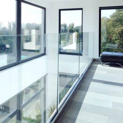 architectural-frameless-interior-900px-1-e1503585271893