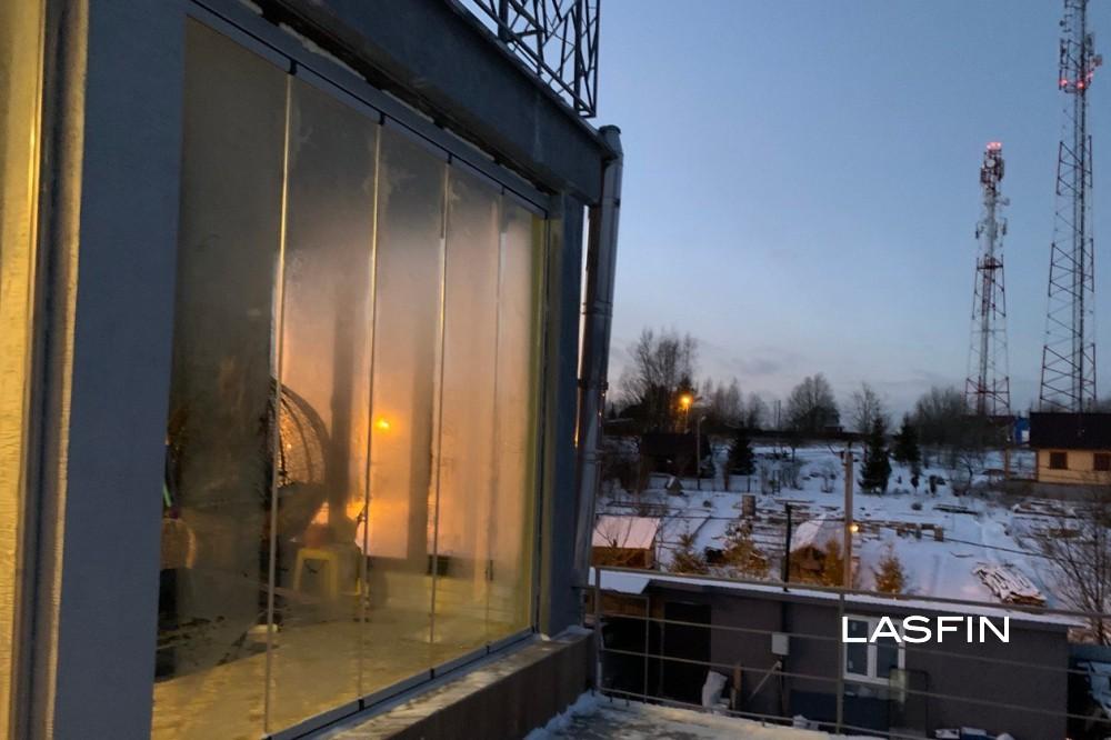 Панорамные окна на террасе